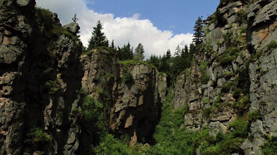 Romantický kaňon je dílem člověka a náhody
