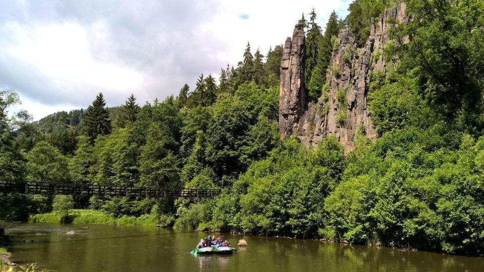 Přírodní scenérie Svatošské skály je jednou z přírodních ikon Karlovarského kraje