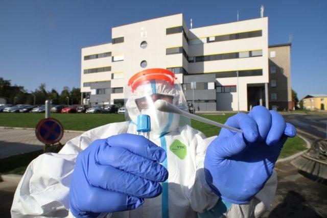 Testování na koronavirus. ilustrační foto