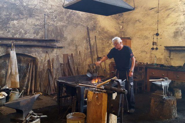 Vodní hamr Dobřív -  kovář a pracovník muzea Jan Suchý